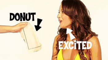 Video : Bikini model Sarah's sweet tooth