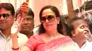 Video : Star wars in Tamil Nadu polls