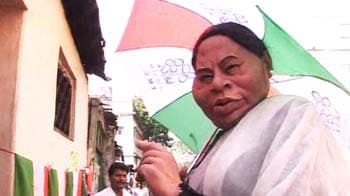 Video : Who is it going to be: Left or Mamata Banerjee?