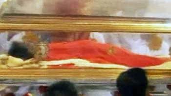 Video : Sri Sathya Sai Baba passes away