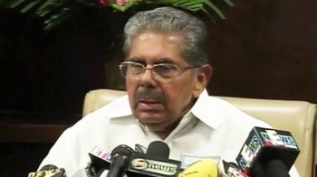 Video : Pilots can't dictate terms to Air India: Vayalar Ravi