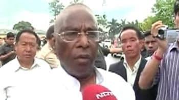 Video : No news yet on Dorjee Khandu, says Narayanswamy