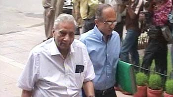 Video : Mac, iTunes used to doctor Bhushan CD: Report