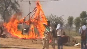 Video : Farmers' protests: United Opposition slams Mayawati