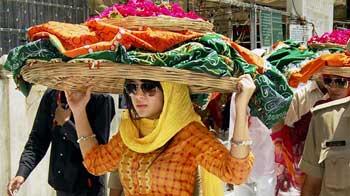 Video : Sakshi Dhoni at Ajmer Sharif