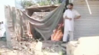 Video : Woman suicide bomber kills three in Pakistan