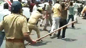 Video : Greater Noida farmer protests: Congress workers lathicharged