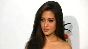 Videos : रिया का ऐसा रूप कभी देखा है?