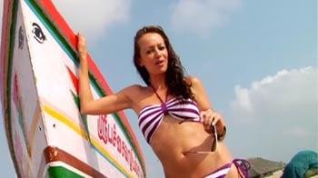 Video : Sarah-Jayne lives a good life on the beach