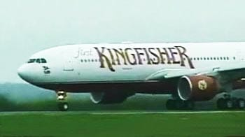 Video : 'Technical flaw' forces Kingfisher flight to land at Kolkata airport