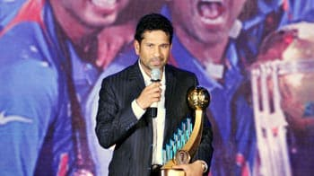 Video : Sachin receives the Polly Umrigar award