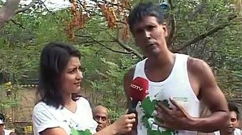 Videos : ग्रीन रन में पलाघर पहुंचे मिलिंद