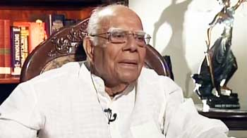 Video : 2G scam: Jethmalani says Judges playing to the gallery