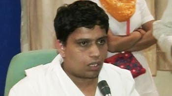 Video : Ramdev aide resurfaces, says wasn't trying to flee
