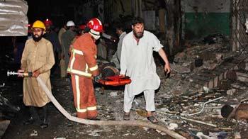Video : Multiple blasts in Peshawar, over 30 killed
