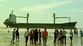 Video : New attraction at Juhu beach is this cargo ship