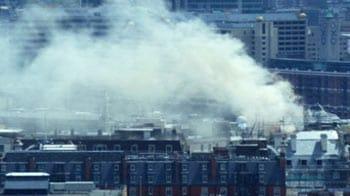 Video : 100 firefighters vs central London blaze