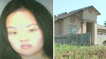 Video : Arrested for putting her baby in a microwave