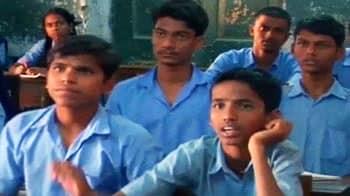 Videos : सरकारी स्कूलों में टीचरों की किल्लत