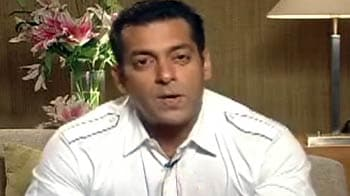 Video : Salman: Apples give me acidity
