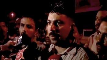 Video : Mayawati's cops attack journalists
