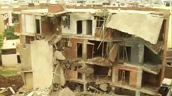 Video : Ghaziabad building collapse: Five dead