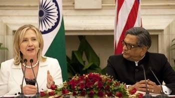 Video : Hillary Clinton, SM Krishna address press