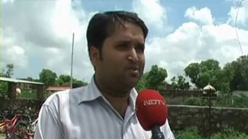 Video : MBA, PhD degree holders apply for peons' jobs in Rajasthan university