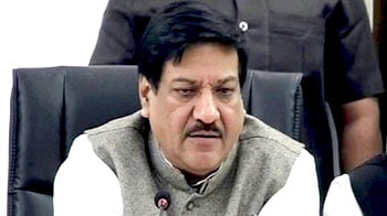Video : Pune farmer deaths: Prithviraj Chavan heckled by families of victims