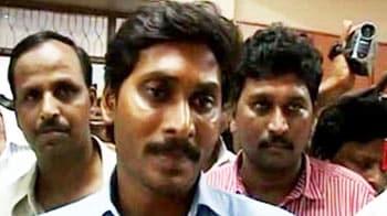 Video : CBI raids Jagan Mohan Reddy's properties