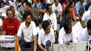 Video : Indians in Toronto extend support to Anna