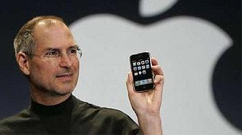 Video : Steve Jobs steps down as Apple CEO