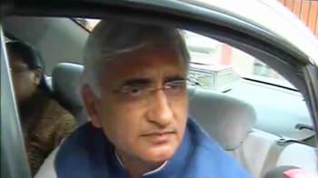 Video : Talking to captain Anna, not aides: Khurshid