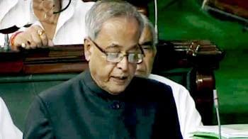 Video : Pranab puts Anna's three demands to the House