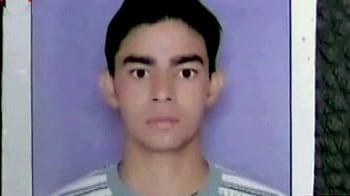 Video : भरे बाजार में छात्र की हत्या