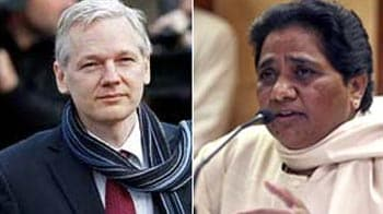Video : Send me jet, I'll bring you sandals: Assange to Mayawati