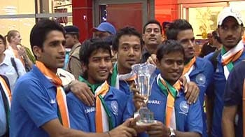Video : Indian Hockey team receives warm welcome