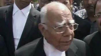 Video : Cash-for-votes case: Jethmalani does U-turn