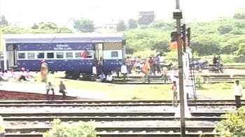 Video : Telangana stir: 48-hour rail roko disrupts train services
