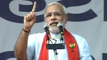 Video : Modi holds 'maha rally', accuses Congress of conspiracy