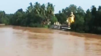 Video : उड़ीसा के बाढ़ग्रस्त इलाकों में राहत कार्य तेज