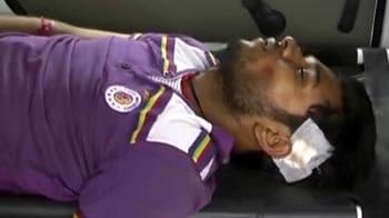 Videos : मानसिक रोगी तीसरी मंजिल से कूदा