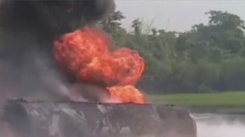 Video : Train carrying fuel to Jamshedpur catches fire