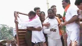 Video : Telangana strike enters seventeenth day