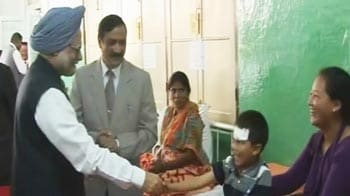 Video : PM visits quake-hit Sikkim, meets injured at hospital