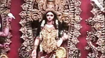 Video : Durga Pujo festivities in Kolkata