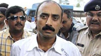 Video : Gujarat IPS officers back Sanjiv Bhatt