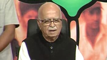 Video : People angry with UPA leadership: Advani
