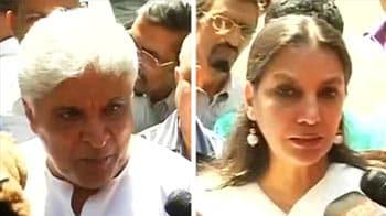 Video : Celebs, fans mourn Jagjit Singh's death