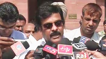 Video : Whatever decision on Telangana is, share it soonest: Chiranjeevi